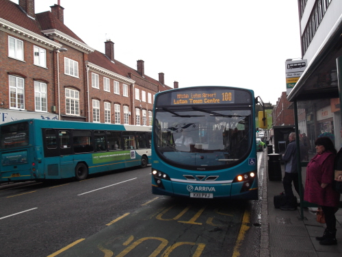 Arriva bus to Luton & Airport from Hitchin