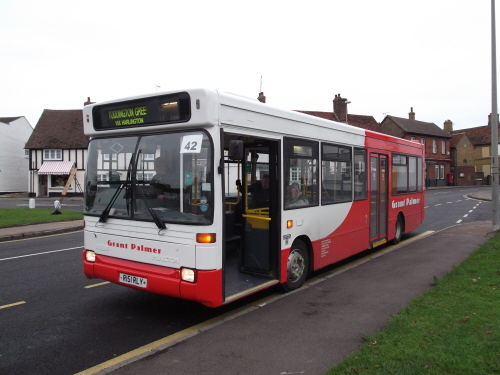 Grant Palmer bus at Toddington Green